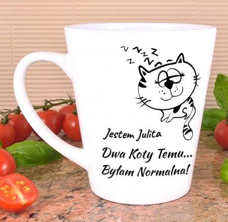 Kubek latte Dwa Koty Temu Byłam Normalna - personalizowany